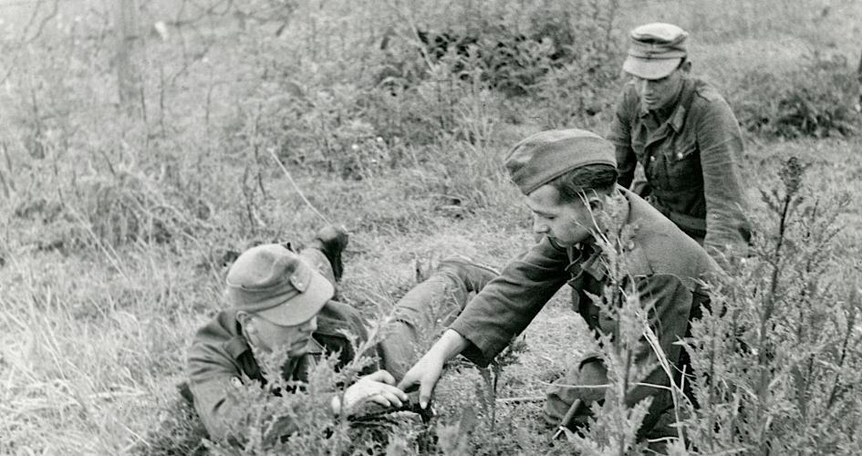 """""""Nødvendige og ofte farlige opgaver"""" - Minerydningen ved den jyske vestkyst i 1945 (Overskudskapitel fra """"De uønskede - De tyske flygtninge i Danmark - 1)"""